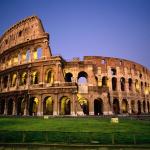 สนามกีฬาโคลอสเซียมในกรุงโรมของอิตาลี